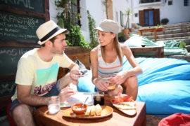 Cosa mangiare a Ibiza: viaggio in un mare di sapori